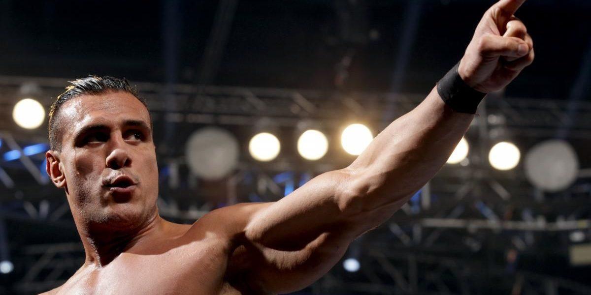 Luchador Alberto del Río sufre asalto y heridas con cuchillo