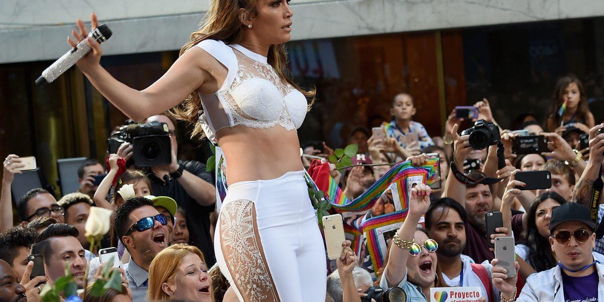 Jennifer López da las
