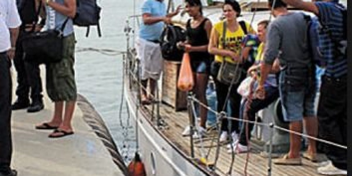 Detenidos 16 ecuatorianos sin documentación en aguas colombianas