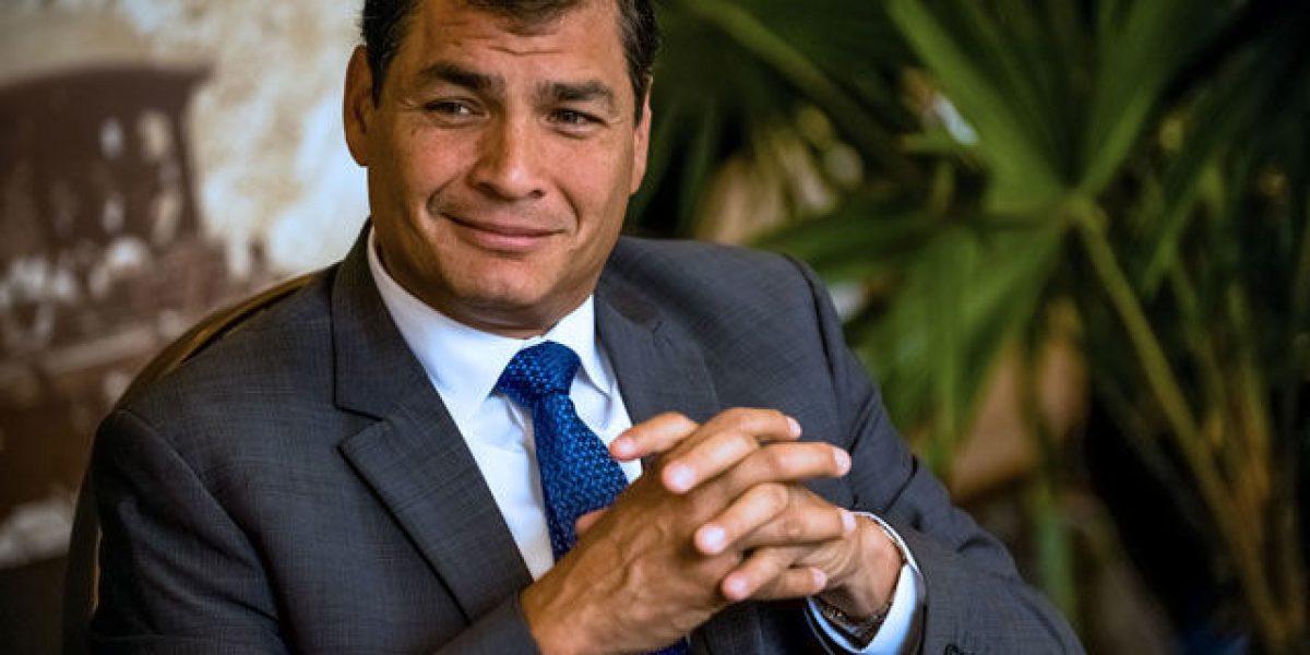 Correa bromeó ante pedida de vacación por triunfo de Ecuador