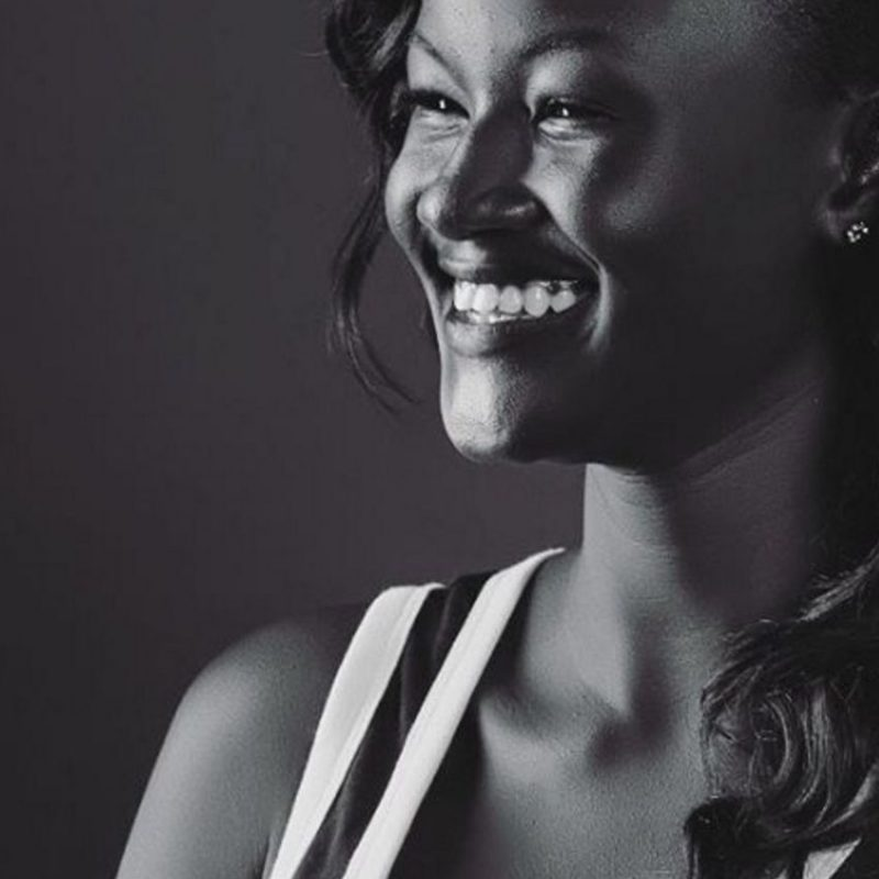 Modelo africana impacta redes por su tono de piel. Imagen Por: Instagram