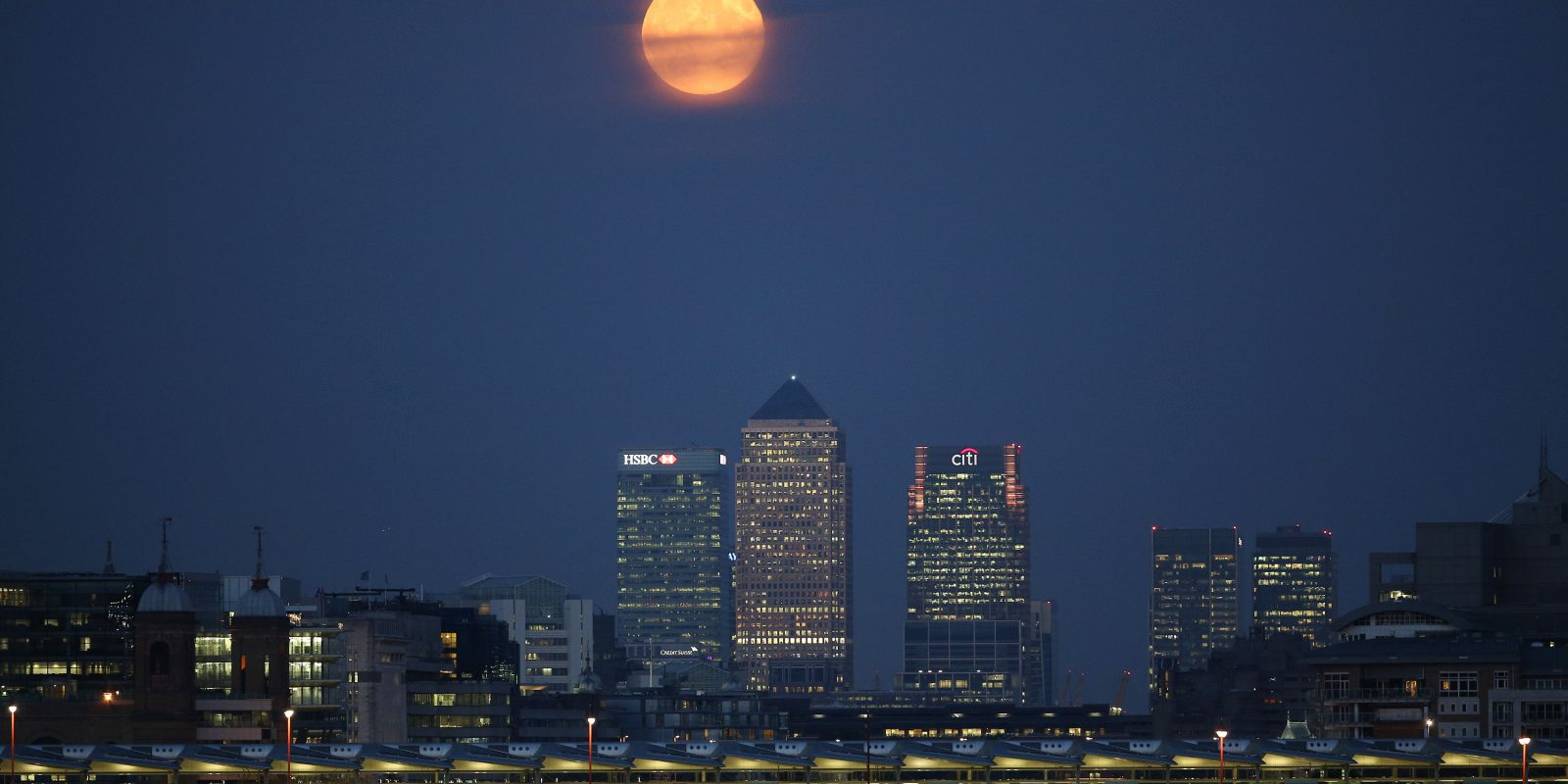"""No se pierdan la """"súNo se pierdan la """"súper luna"""" que sólo aparece una vez cada 15 años. Imagen Por: Getty Images"""