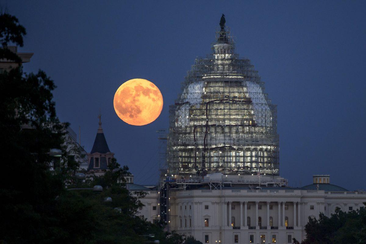 """No se pierdan la """"súper luna"""" que sólo aparece una vez cada 15 años. Imagen Por: Getty Images"""