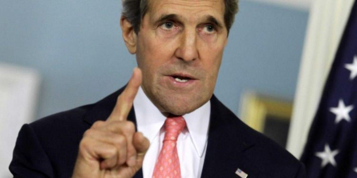 Aseguran que Kerry pidió a Ecuador que evitara que Assange difundiera datos de Clinton