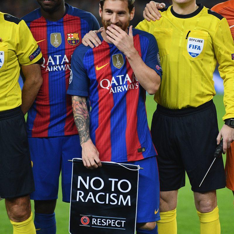 Pitan el himno de la Champions aficionados de Barcelona. Imagen Por: Getty Images