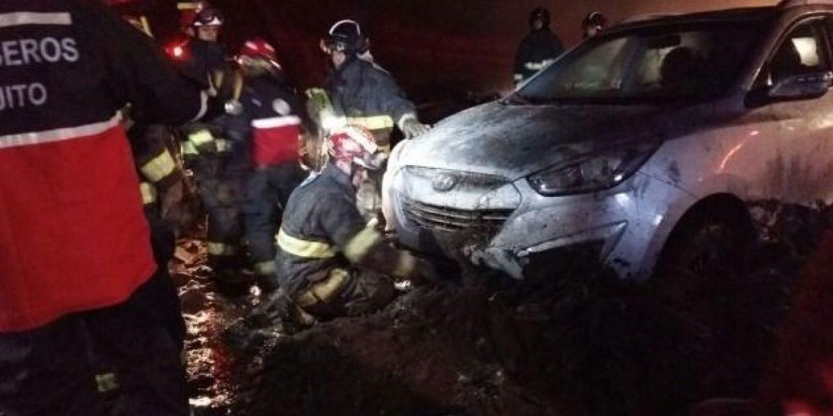 Dos personas fallecidos por deslizamiento de tierra en Oyacoto