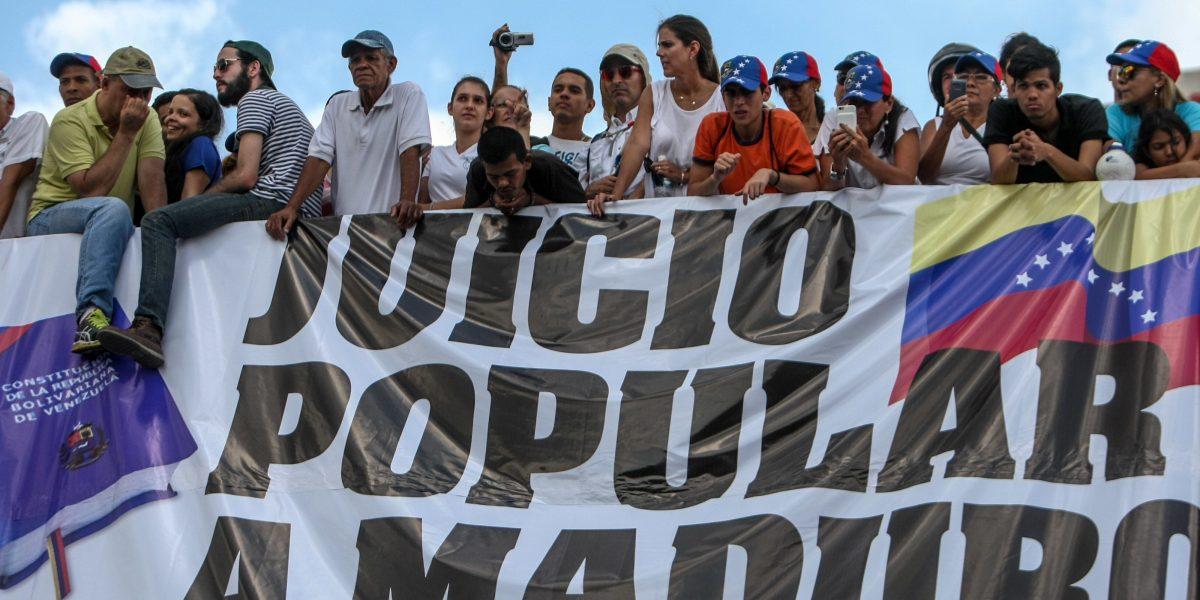 Expresidentes aseguran que antes de dialogar Maduro debe acatar la Constitución
