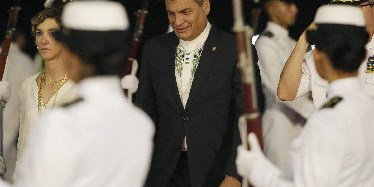 Rafael Correa ya está en Cartagena