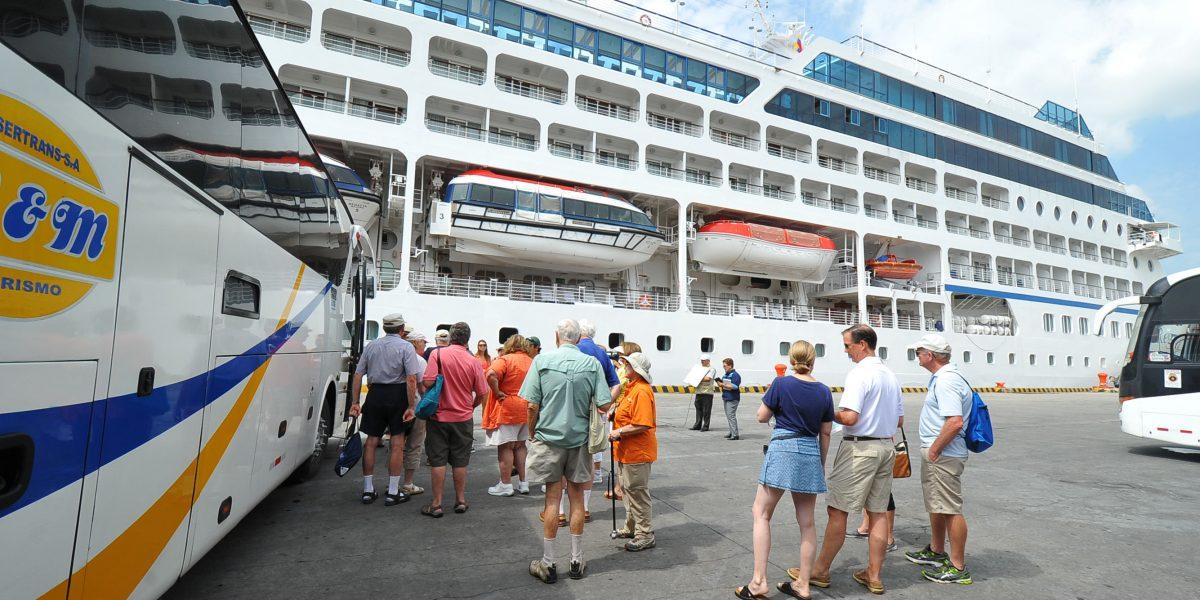 "Crucero ""Silver Explorer"" llega al país mañana"