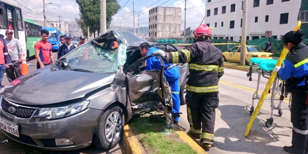 Reportan accidente de tránsito en la avenida Rumichaca