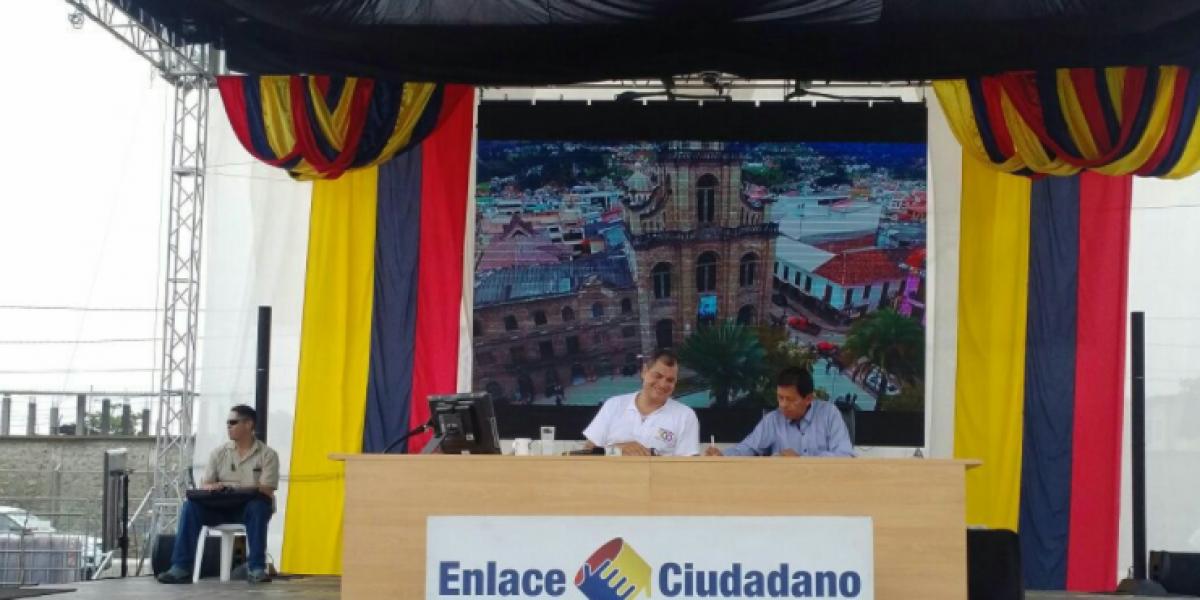 Correa sigue apostando a los feriados programados