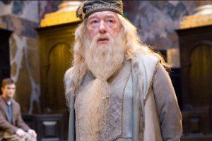 Dumbledore tendrá una relación gay con Johnny Depp. Imagen Por: Warner