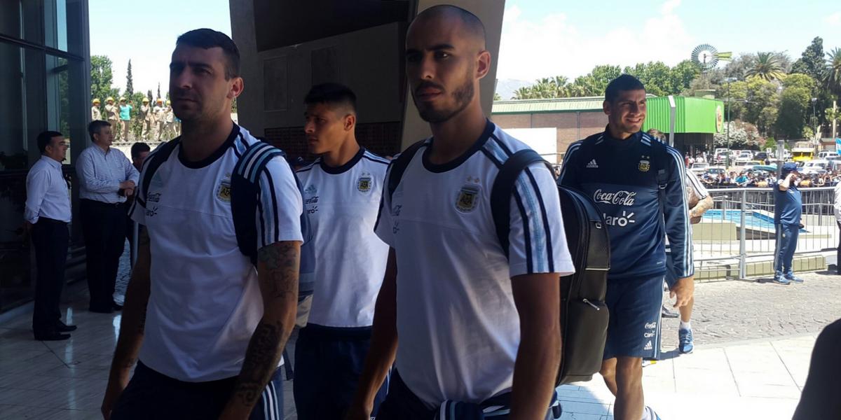 Argentina recibe a Colombia con presión