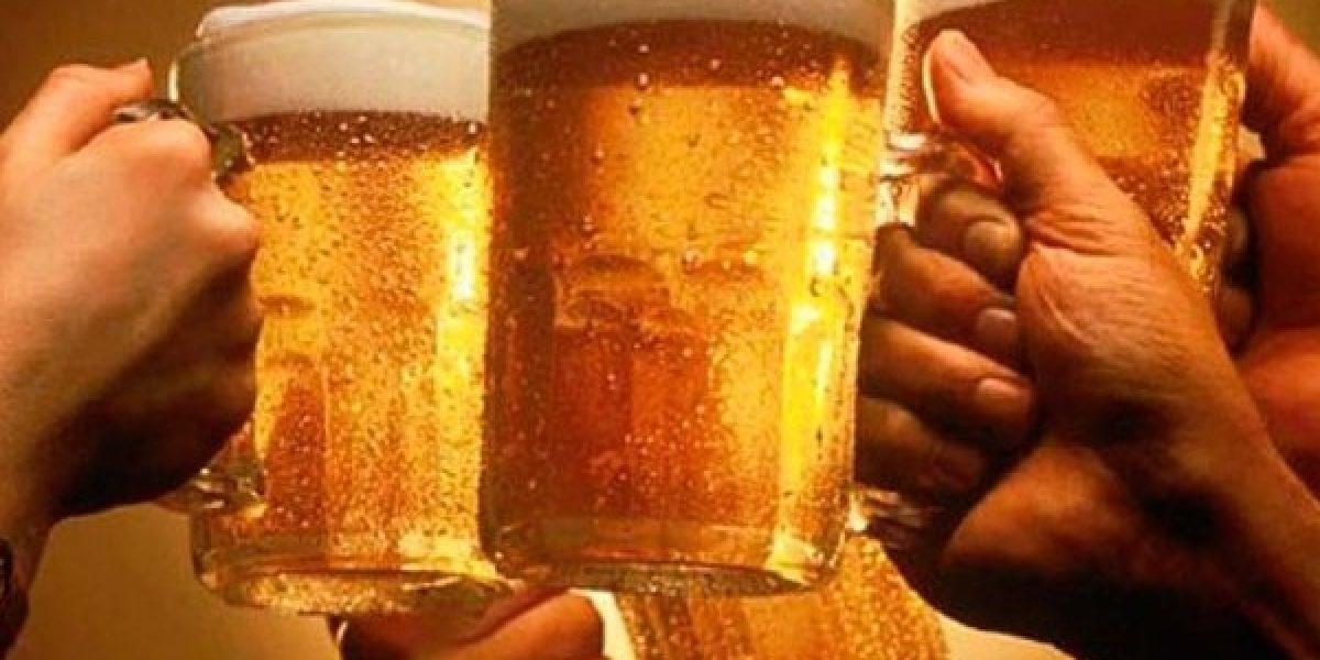 Hombres que trabajan consumen más cerveza en Ecuador