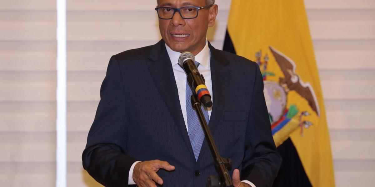Glas advierte con demanda a diario panameño