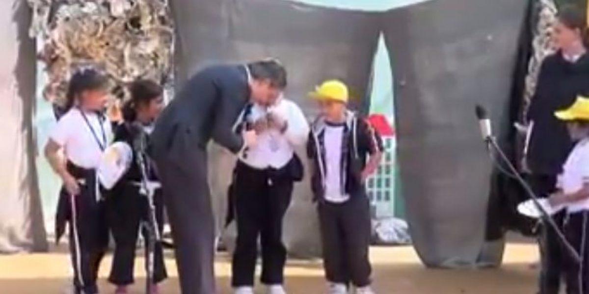 Niña mexicana corrigió a ministro en público