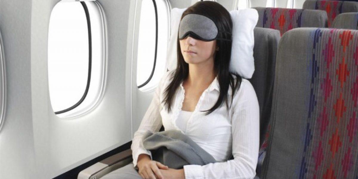 Tips para dormir cómodamente en el avión