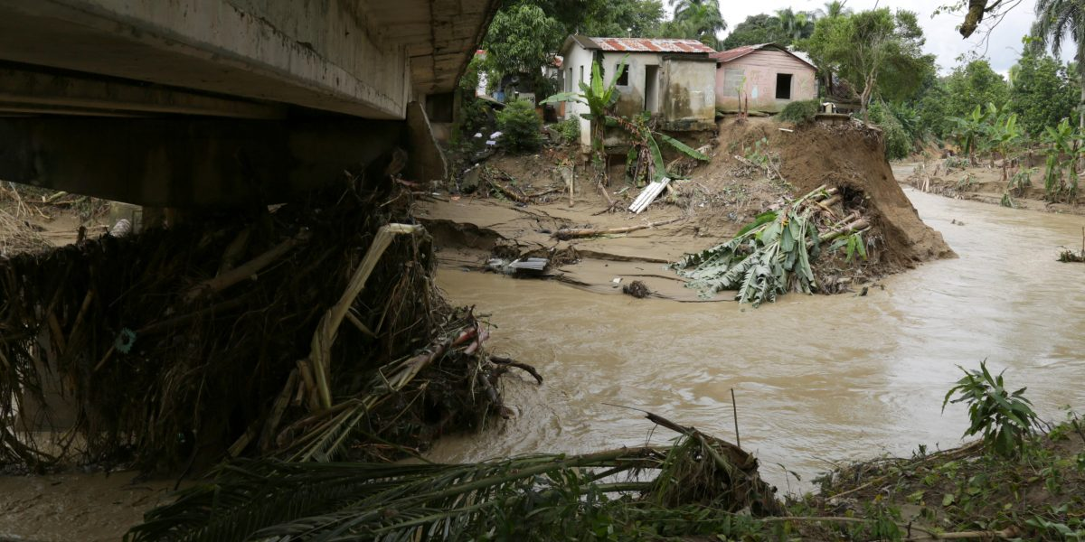 Un niño muere por fuertes lluvias en el norte de R.Dominicana