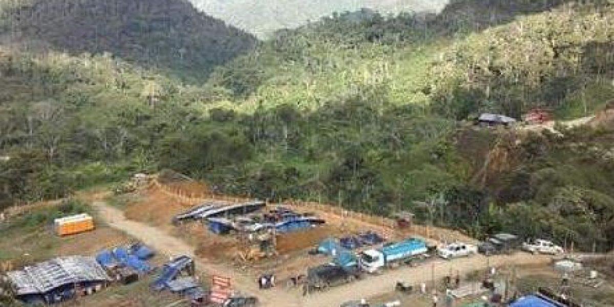 Siete policías heridos en protesta indígena contra minera