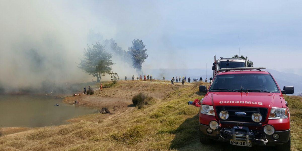 Bomberos luchan contra 29 incendios en Cuenca