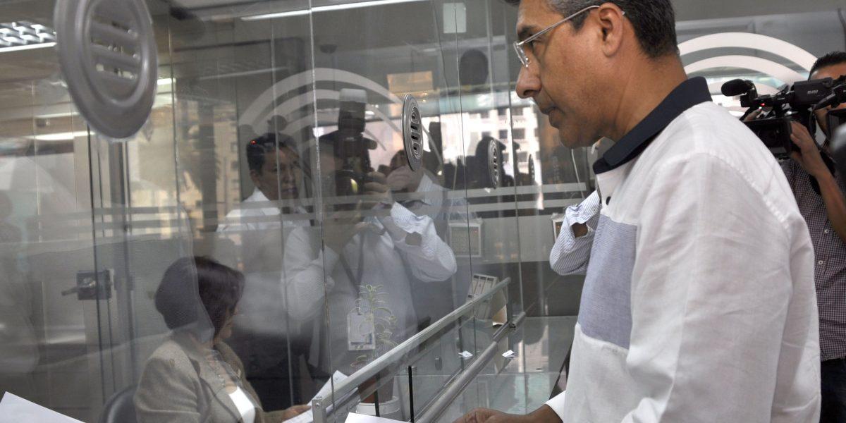 Gutierrez denuncia exceso de votantes para elecciones de 2017