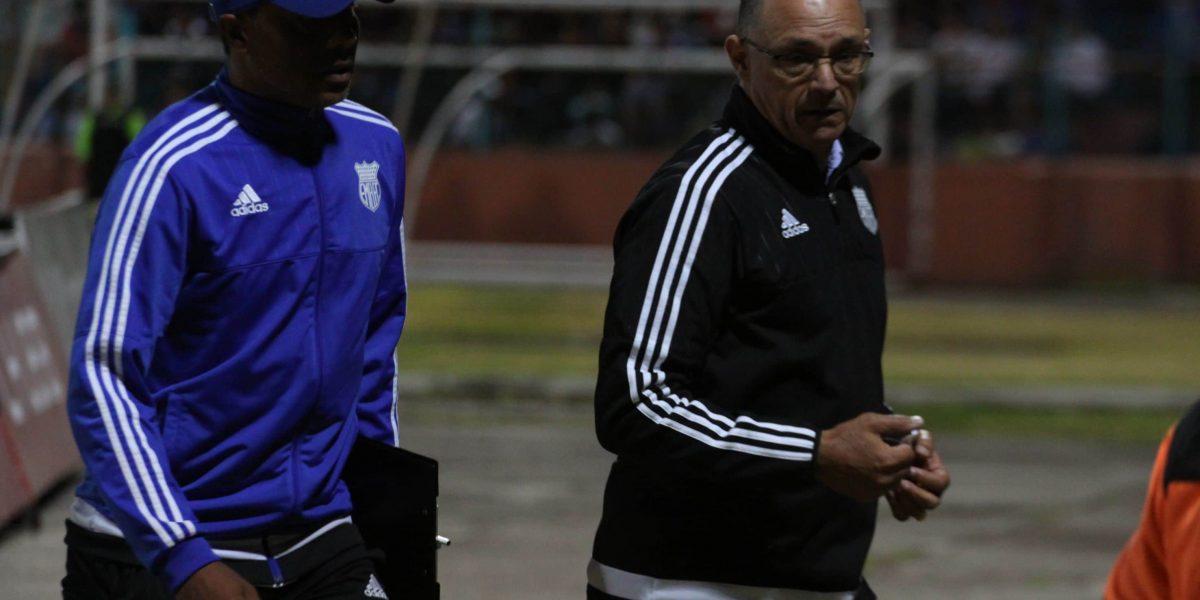 Alfredo Arias, DT de Emelec, se enojó con sus jugadores