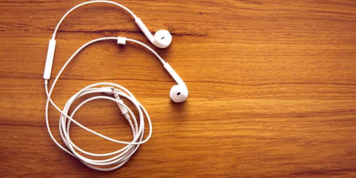 Cómo los audífonos de tus dispositivos pueden convertirse en micrófonos