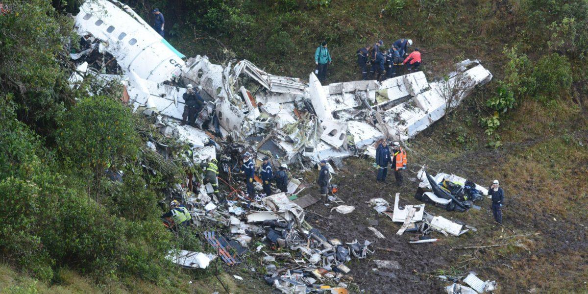 Piloto de avión de Chapecoense reportó falla eléctrica y falta de combustible