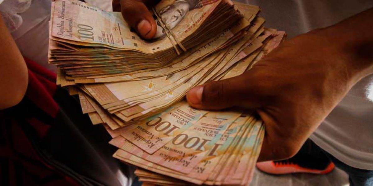 Venezuela amplía vigencia del billete de 100 bolívares hasta el 20 de marzo