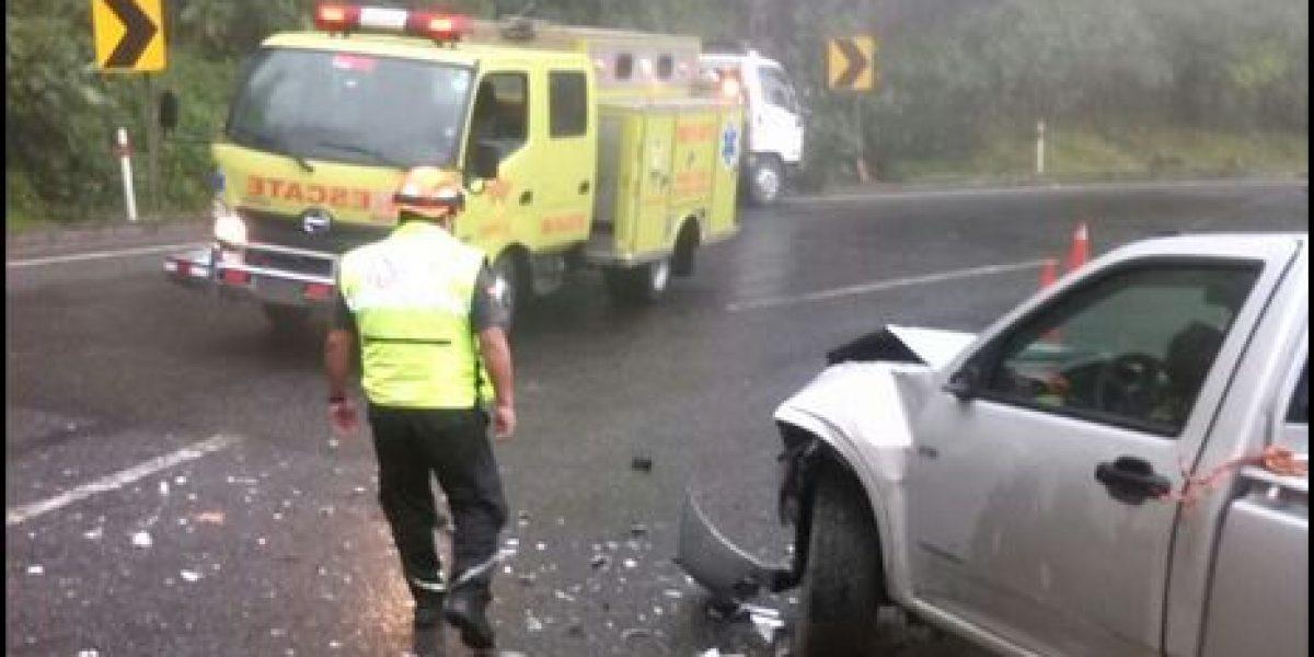 Accidente en la vía Aloag Santo Domingo cerró tres canales
