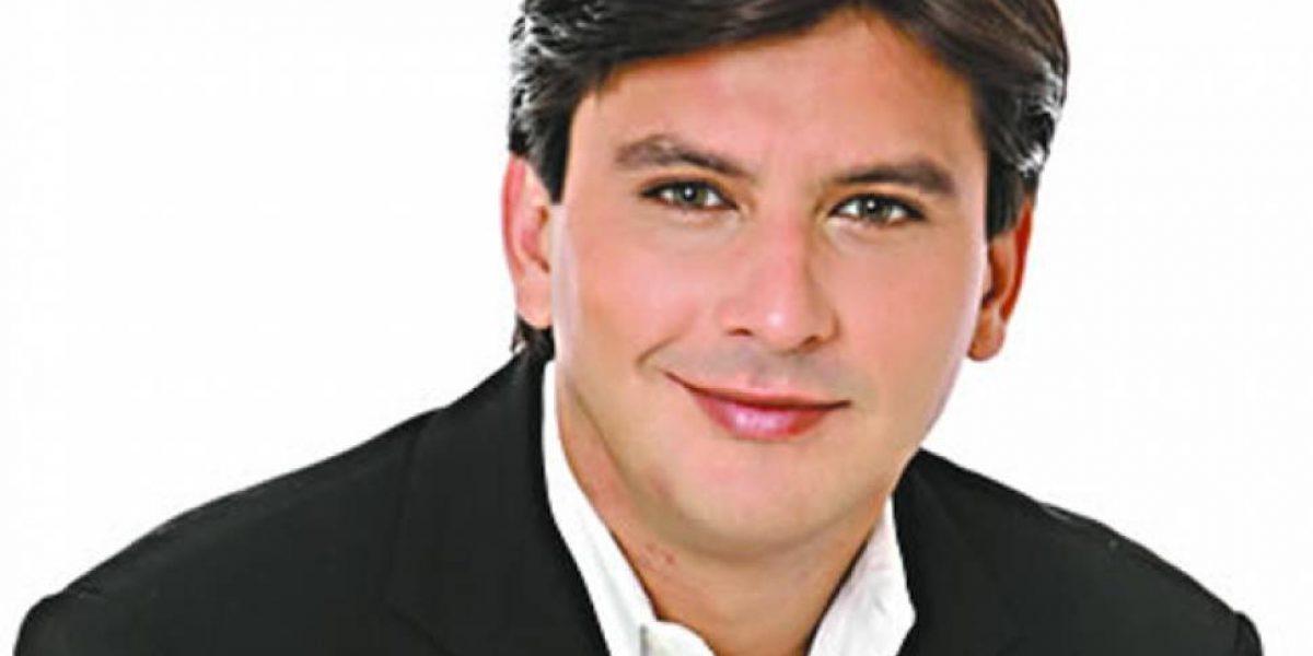Xavier Pimentel sufrió accidente y suspendió obra de teatro