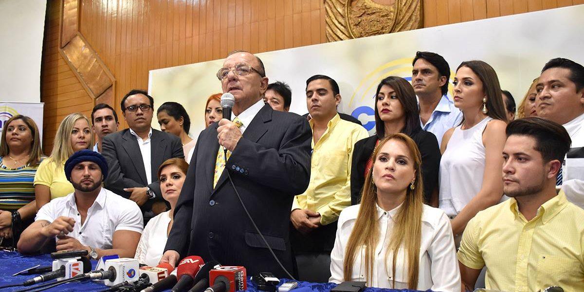 Álvaro Noboa propone a la Asamblea declararlo Presidente del Ecuador