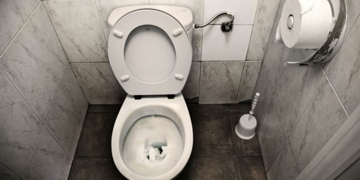 Ahora se pueden denunciar los baños sucios