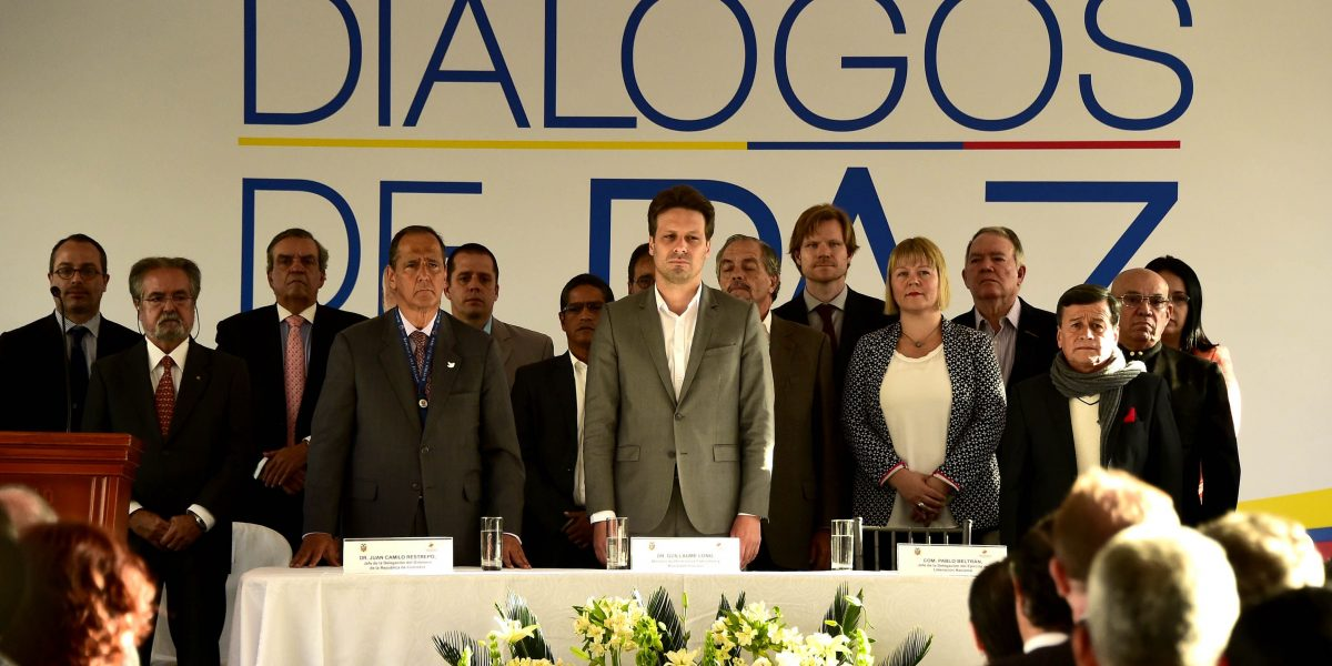 Gobierno de Colombia y el ELN abren negociaciones de paz en Quito