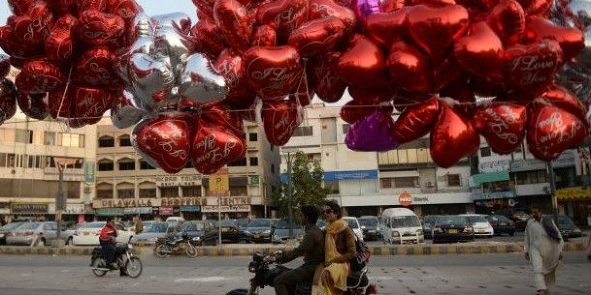 Tribunal prohíbe celebrar San Valentín por ser