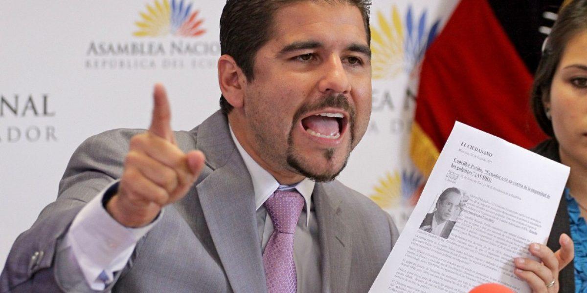 Abdalá Bucaram Pulley y Ricardo Rivera se siguen acusando
