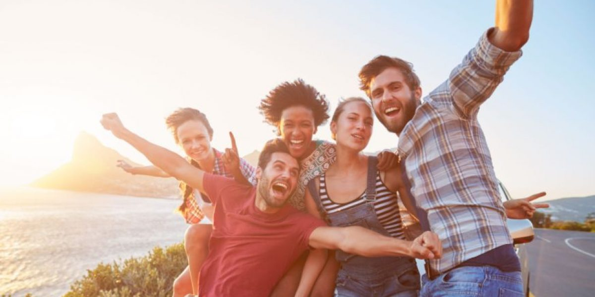 El atractivo depende de con quién estés, según estudio