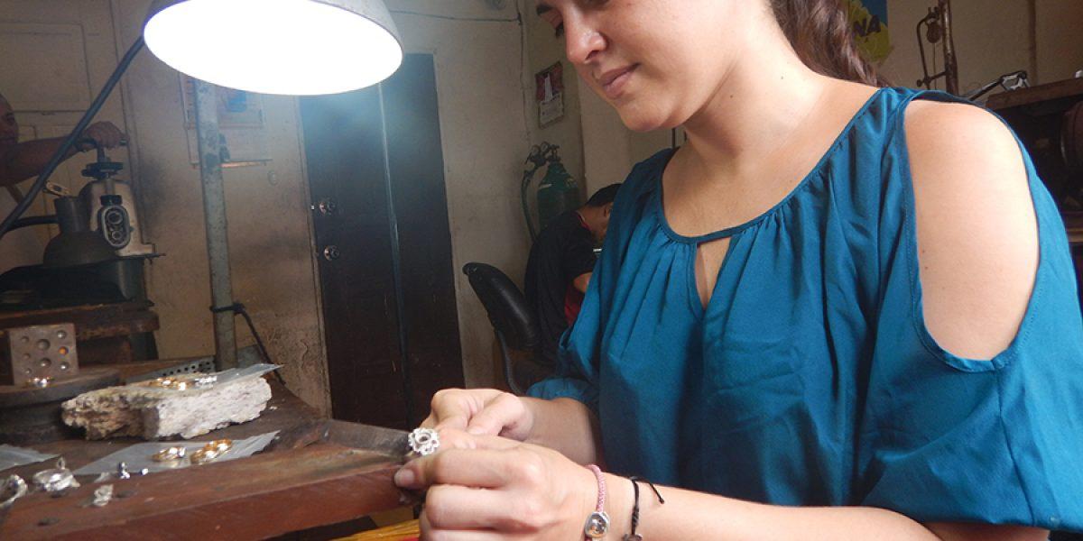 20% más venden artesanos de joyas durante febrero