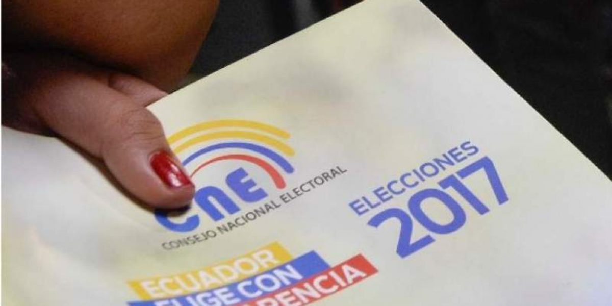 Ecuador elige al sucesor de Correa en una encrucijada económica