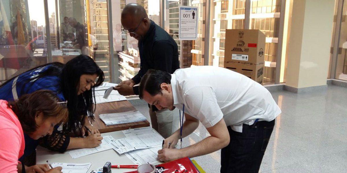 Unos 500 ecuatorianos votarán en Panamá