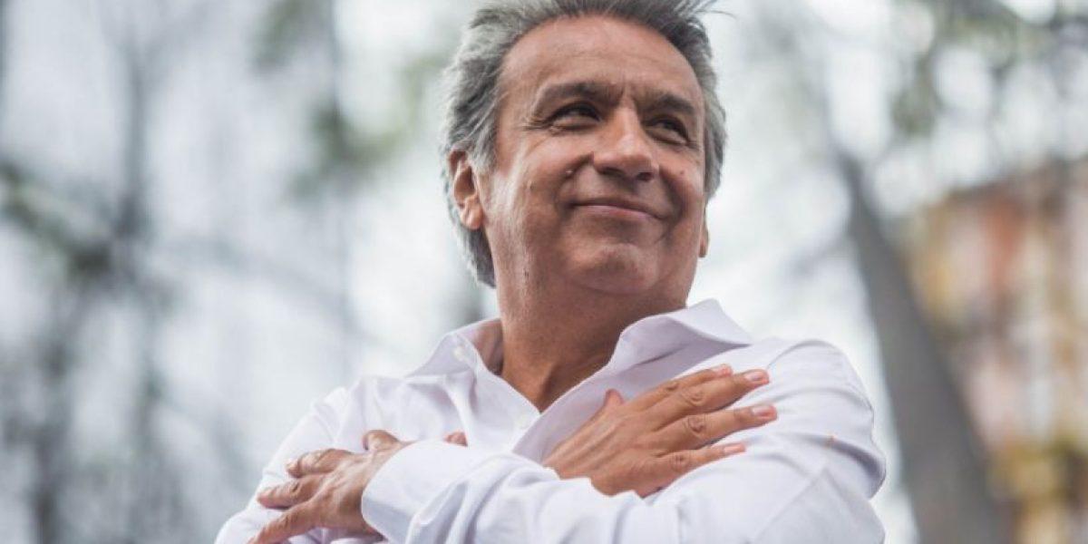 Simpatizantes acompañaron a Lenín Moreno a sufragar