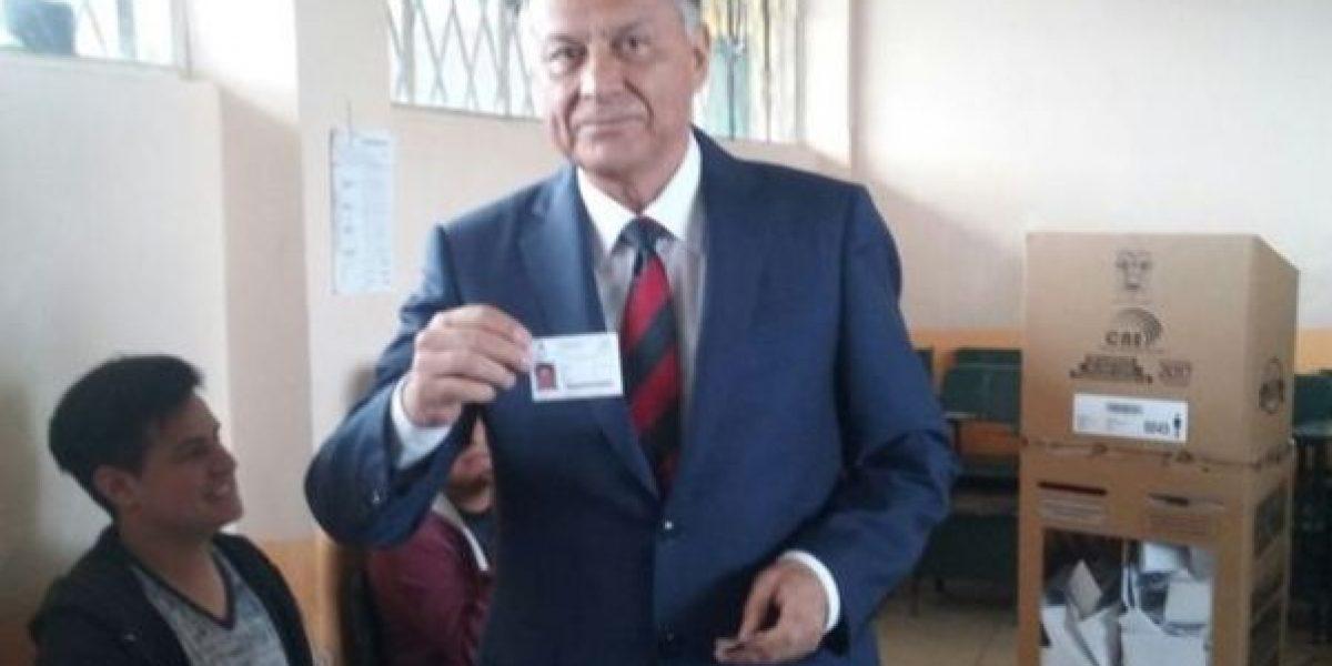 Siete horas después Patricio Zuquilanda pudo votar