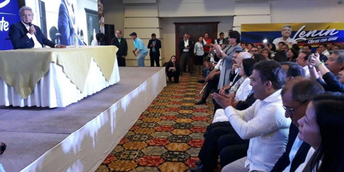 Alianza PAIS espera resultados en el hotel Quito