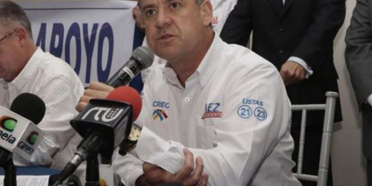 Andrés Páez amenaza en ingresar a las instalaciones del CNE