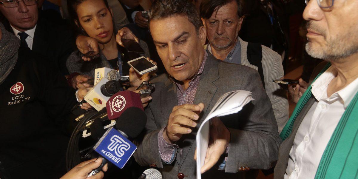 José Serrano presentó denuncia ante el CNE por
