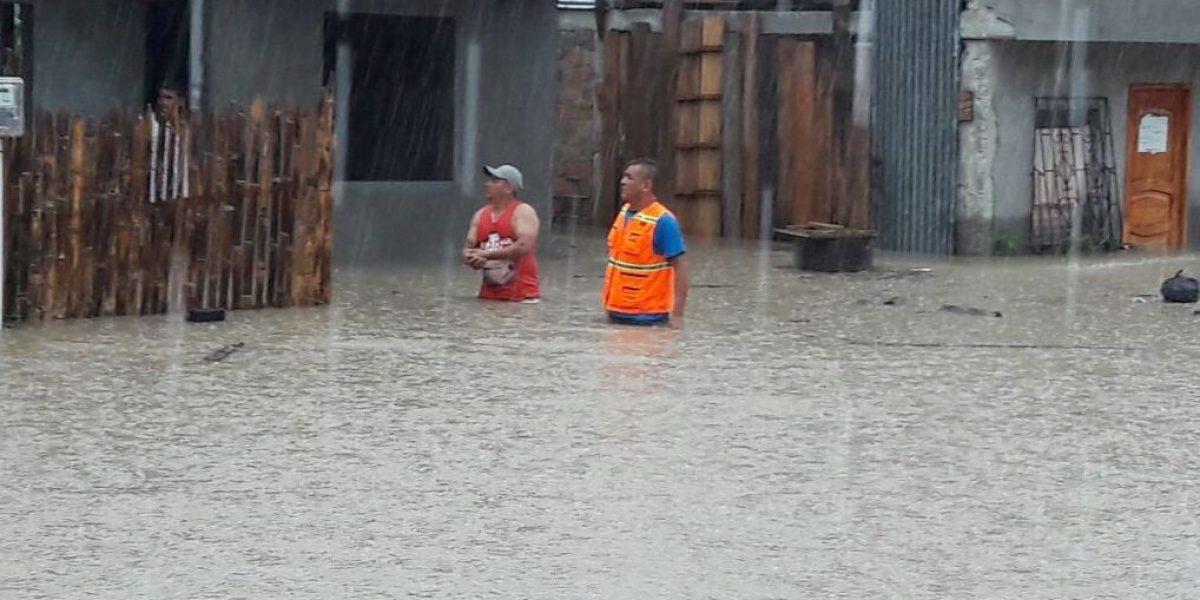 Intensas lluvias causan estragos en Manabí