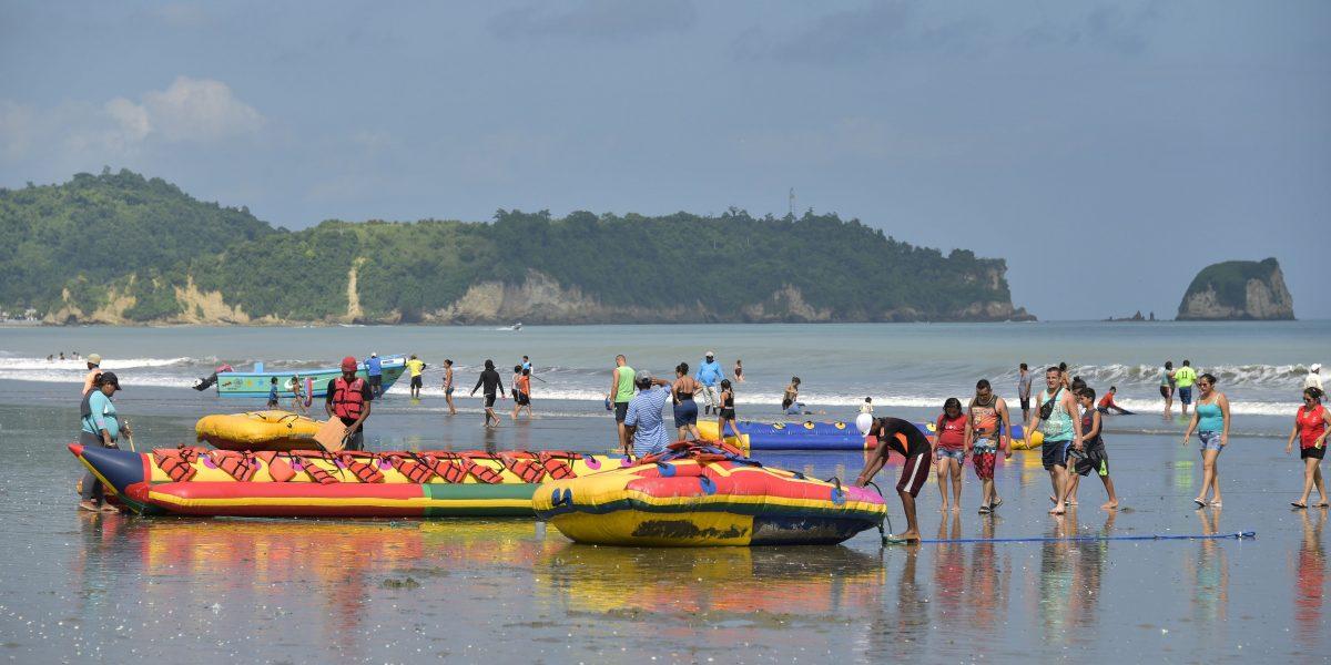 Miles de turistas eligieron Esmeraldas para disfrutar los Carnavales 2017