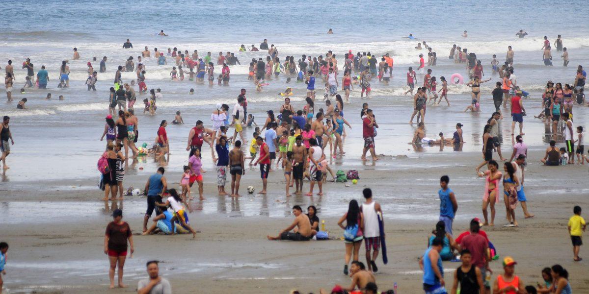 Turistas regresaron a las playas de Manabí y Esmeraldas