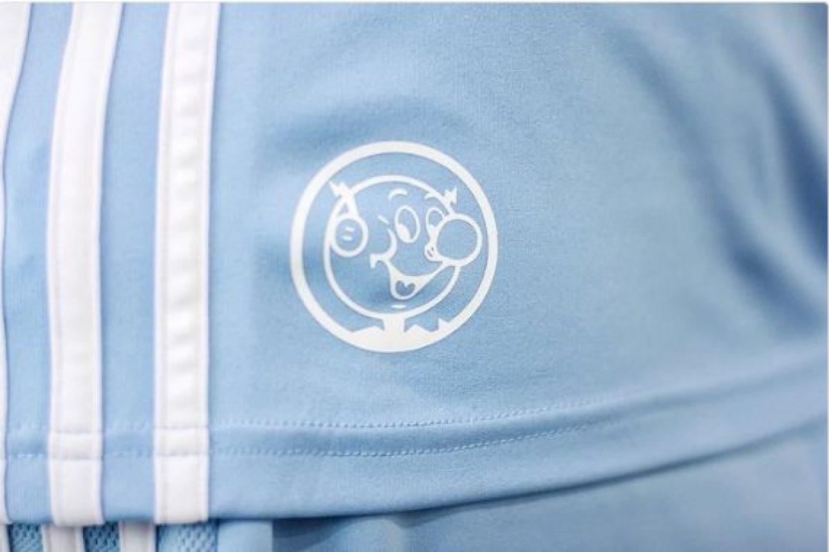 Emelec presenta su camiseta celesta para torneos internacionales ... 3383d3c81c9