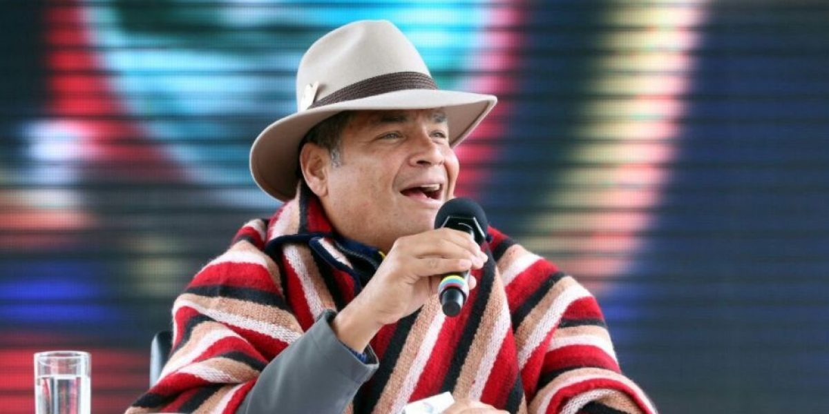 Correa advirtió de planes privatizadores de la oposición
